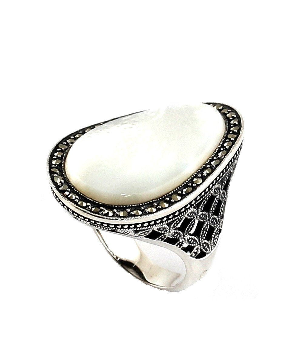 big-ring-cabochon-mother-of-pearl-in-silver-and-marcasites creator art deco