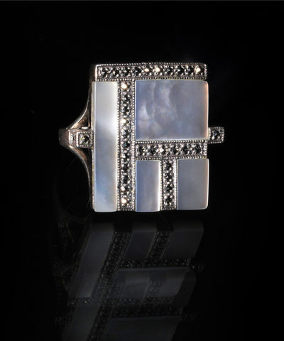 big-ring-pearl-white-in-silver-and-marcasites art deco face