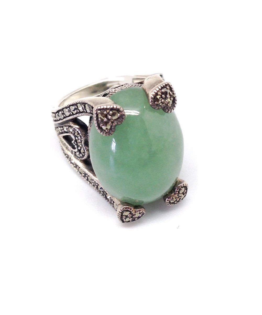Jade art deco ring decorated with silver and marcasites
