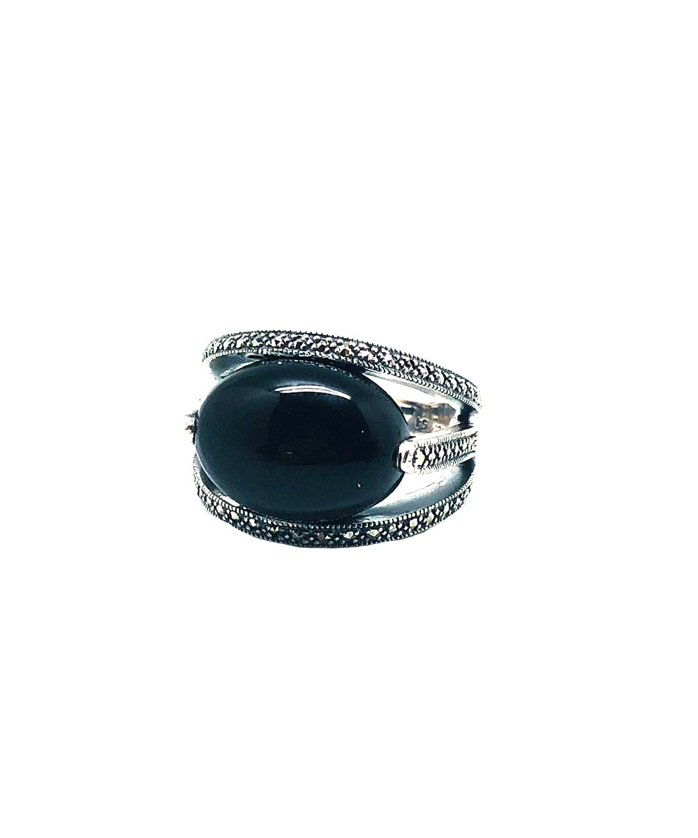 Oval art deco onyx ring in silver and marcasites