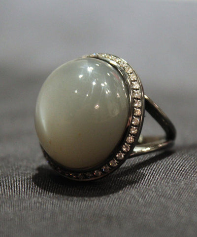 Bague Pierre de Lune et diamants France Thierard 1
