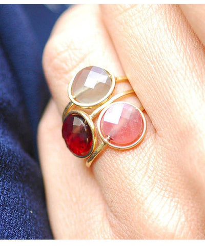 My little ring in gold and stone designer ring