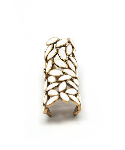 Bernard Delettrez Articulated ring White petals in bronze