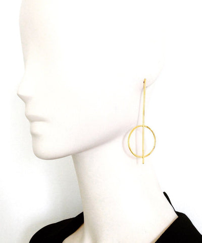"Golden stem and ring earrings - ""Constellations"" eloïse fiorentino worn"
