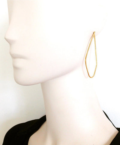 "Golden lozenge earrings - ""Between dog and wolf"" eloïse fiorentino worn"