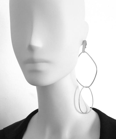 """Eloise Fiorentino-Clip earrings duo of silver rings - """"Over the water"""""""