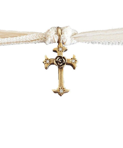 charm-marvel-cross-catherine-michiels