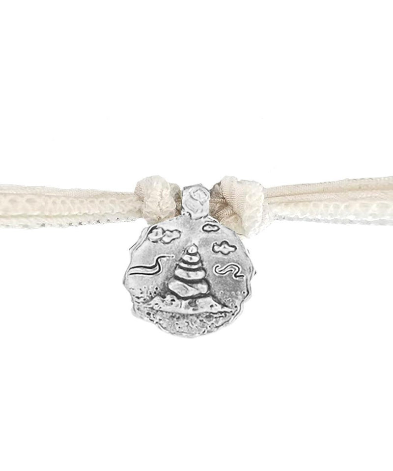 charm-sanctuary-catherine-michiels-argent