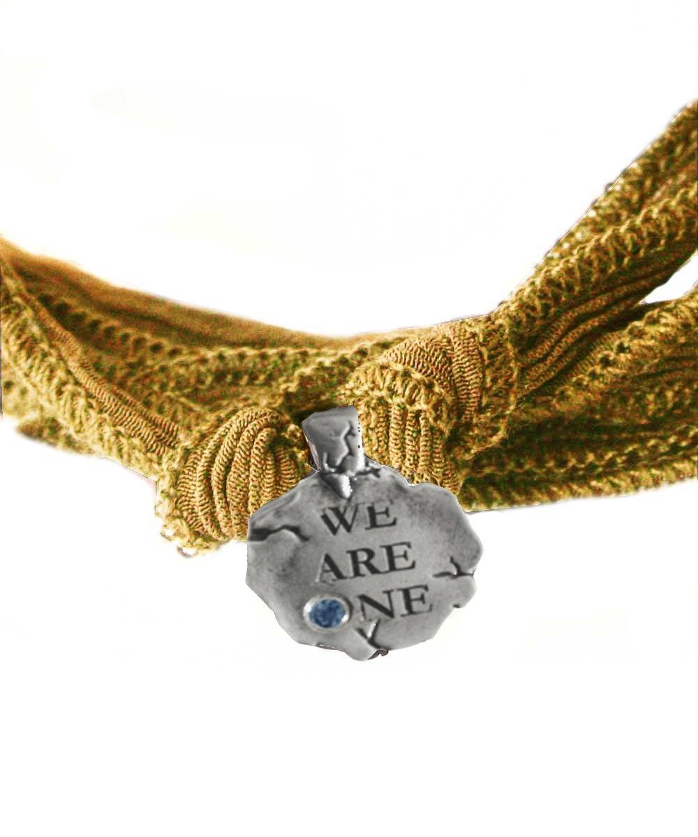 charm-Catherine-michiels-we-are-one-argent.jpg