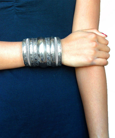 bracelet-bangle-silver-wave-Editions LESSisRARE 2 worn jewelery