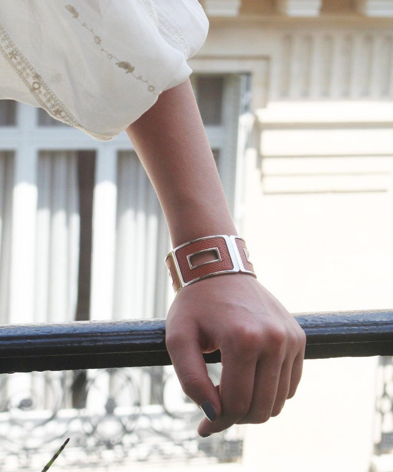 woman leather bracelet