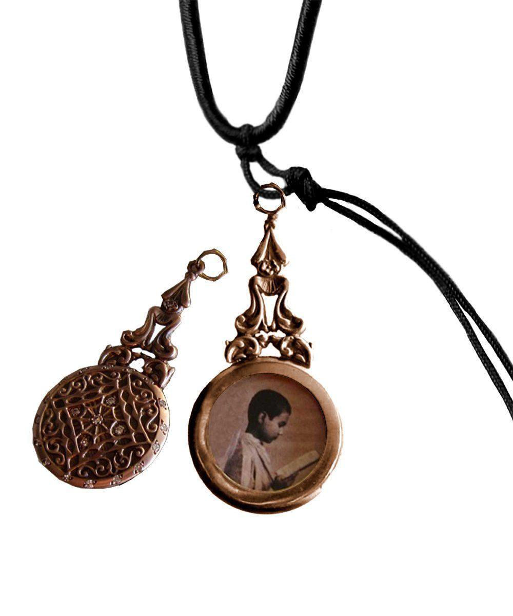 Bronze Juliette photo medallion pendant with ruby ​​- Catherine Michiels