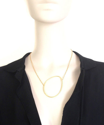eloïse-fiorentino-necklace-the-dunes-gold worn