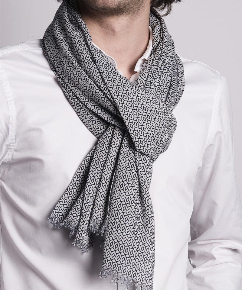 scarf-gray-a-pattern-for-men Editions LESSisRARE