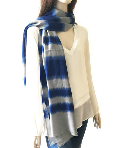 scarf-tie-and-dye-blue-white-for-woman-and-man Editions LESSisRARE worn