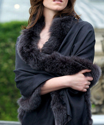 stole-fur-reversible-black-gray Editions LESSisRARE scope