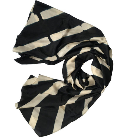denovembre-scarf-in-silk-black-and-white