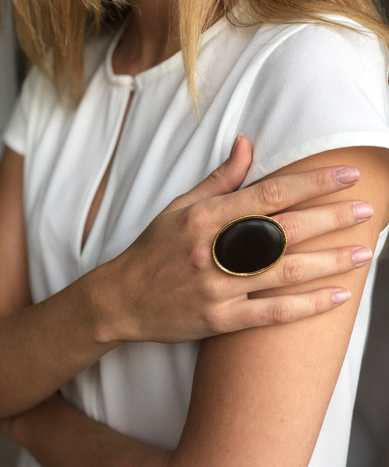 big-ring-poggi-oval-stone-black