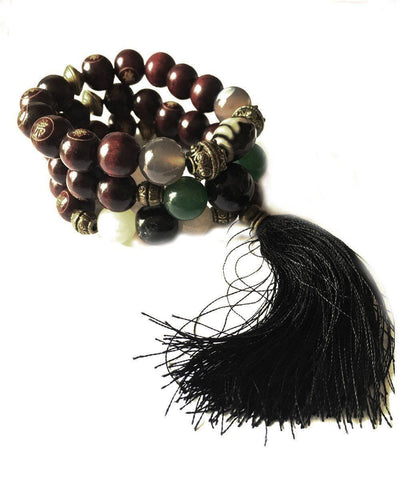 jewels-of-mala-trio-to-wrist-Tibetan mala-agate-green