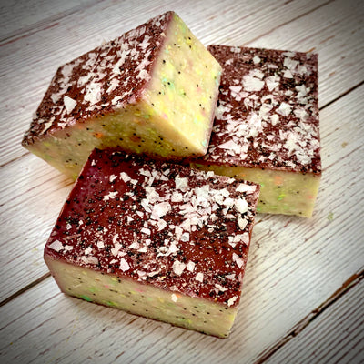 Gardener's Herbalicious Handcrafted Soap with Aloe and Poppy Seeds