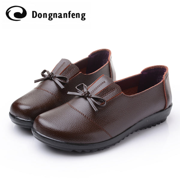 Insole Material: PU Upper Material: Split Leather Size:: 35.36.37.38.39.40,41 Place Of Origin: China Quantity: a pair of shoes lining: no fur Item Type: Flats Gender: Women Vulcanized Shoes: Yes Insole Material: Genuine Leather Leather Style: Soft Leather Shoe Width: Medium(B,M)