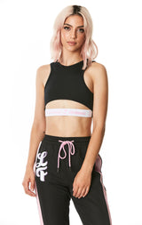 WINDBREAKER EMBROIDERY SLEEVELESS MIDRIFF CUT OUT ELASTIC BAND TEE