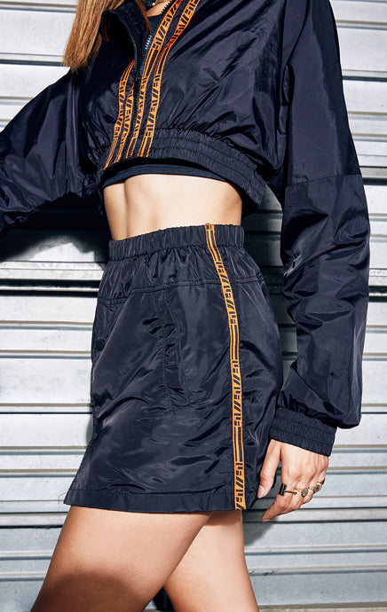 WINDBREAKER SNAP FRONT SKIRT