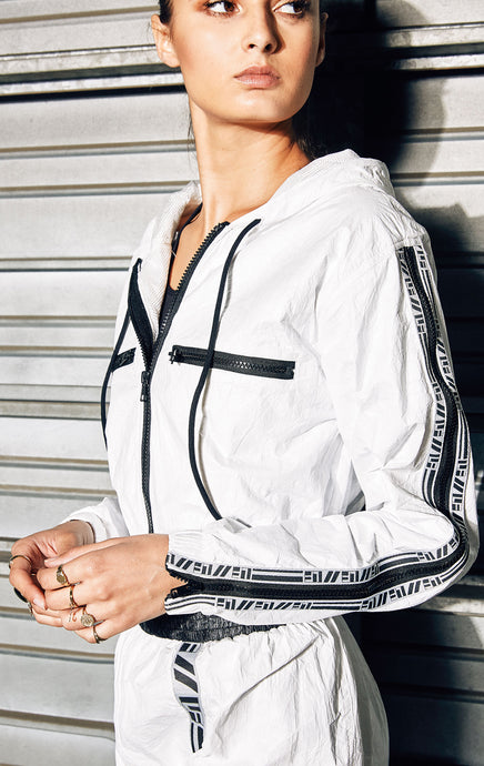 WINDBREAKER WITH LF TAPE AND ZIPPER SLEEVES