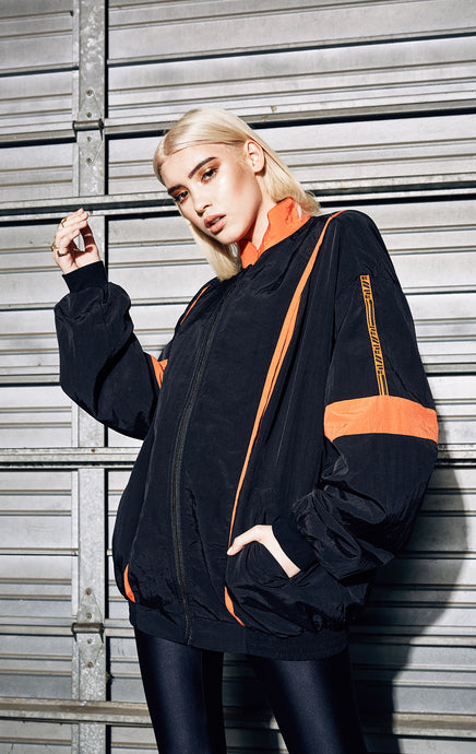 WINDBREAKER WITH CONTRAST PIPING