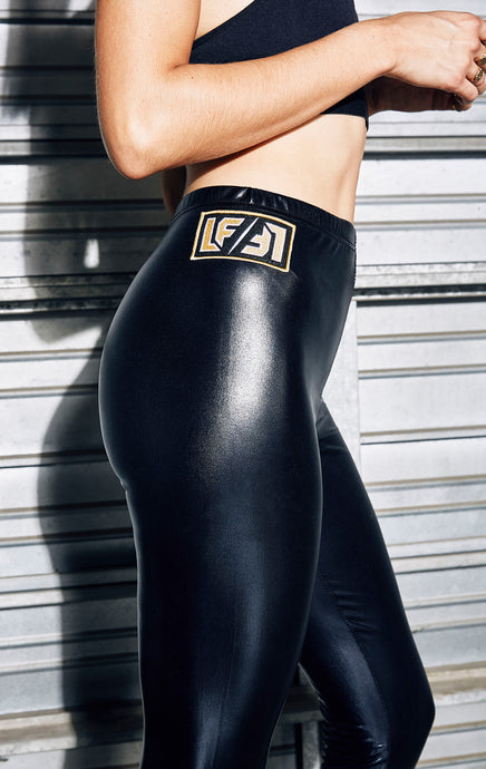 SHINY LEGGING WITH LF PATCH
