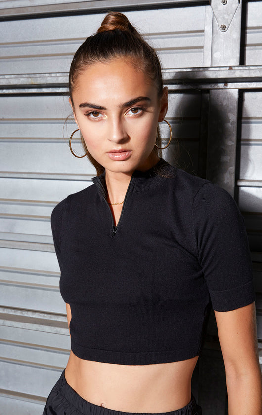 SHORT SLEEVE MOCK TURTLENECK WITH ZIPPER