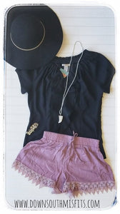 Mauve Lace Trimmed shorts