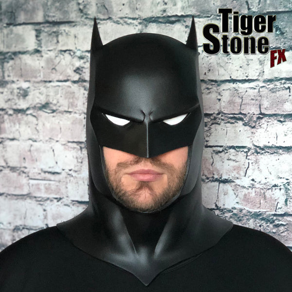 Capullo Batman cowl New 52 Rebirth Metal  by Tiger Stone FX (front shot)