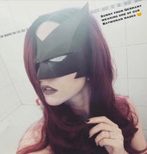 Batwoman mask by Tiger Stone FX (customer photo: Sunny)