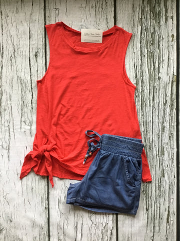 SLEEVELESS SIDE TIE TOP