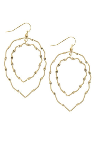 DOUBLE LAYERED LEAF OUTLINE HOOP EARRINGS