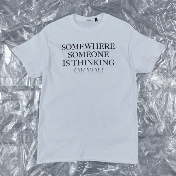 'SOMEWHERE SOMEONE IS THINKING OF YOU' - Jaime short sleeve tee, white