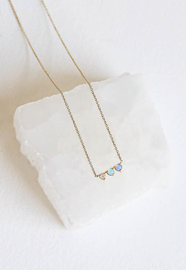 WWAKE THREE POINTS DIAMOND AND OPAL NECKLACE