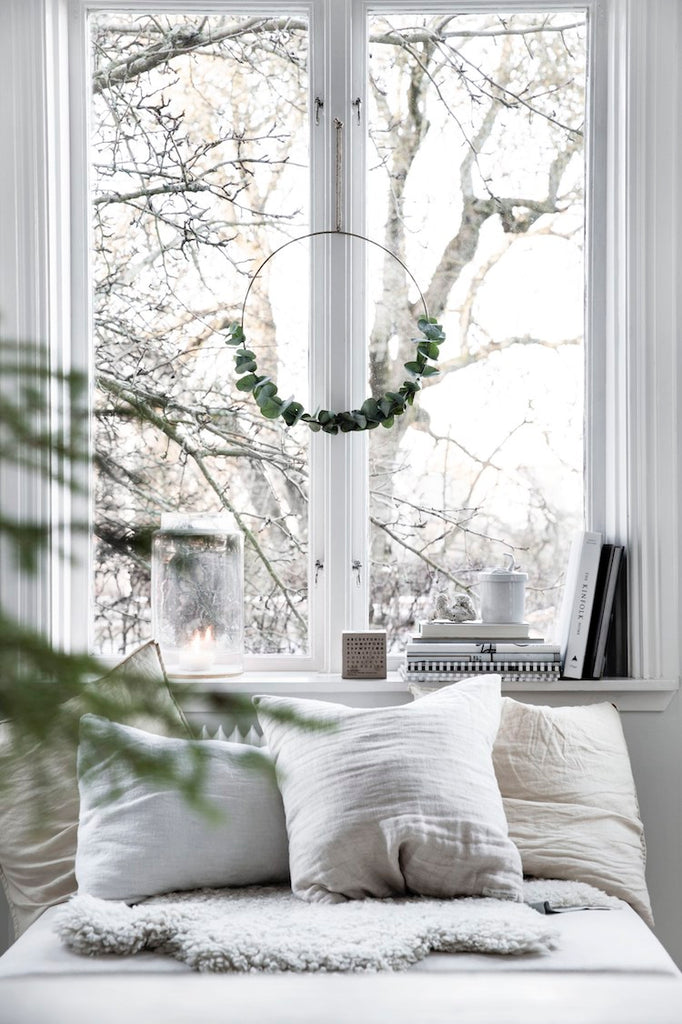 Minimal Christmas Styling Ideas Round-up