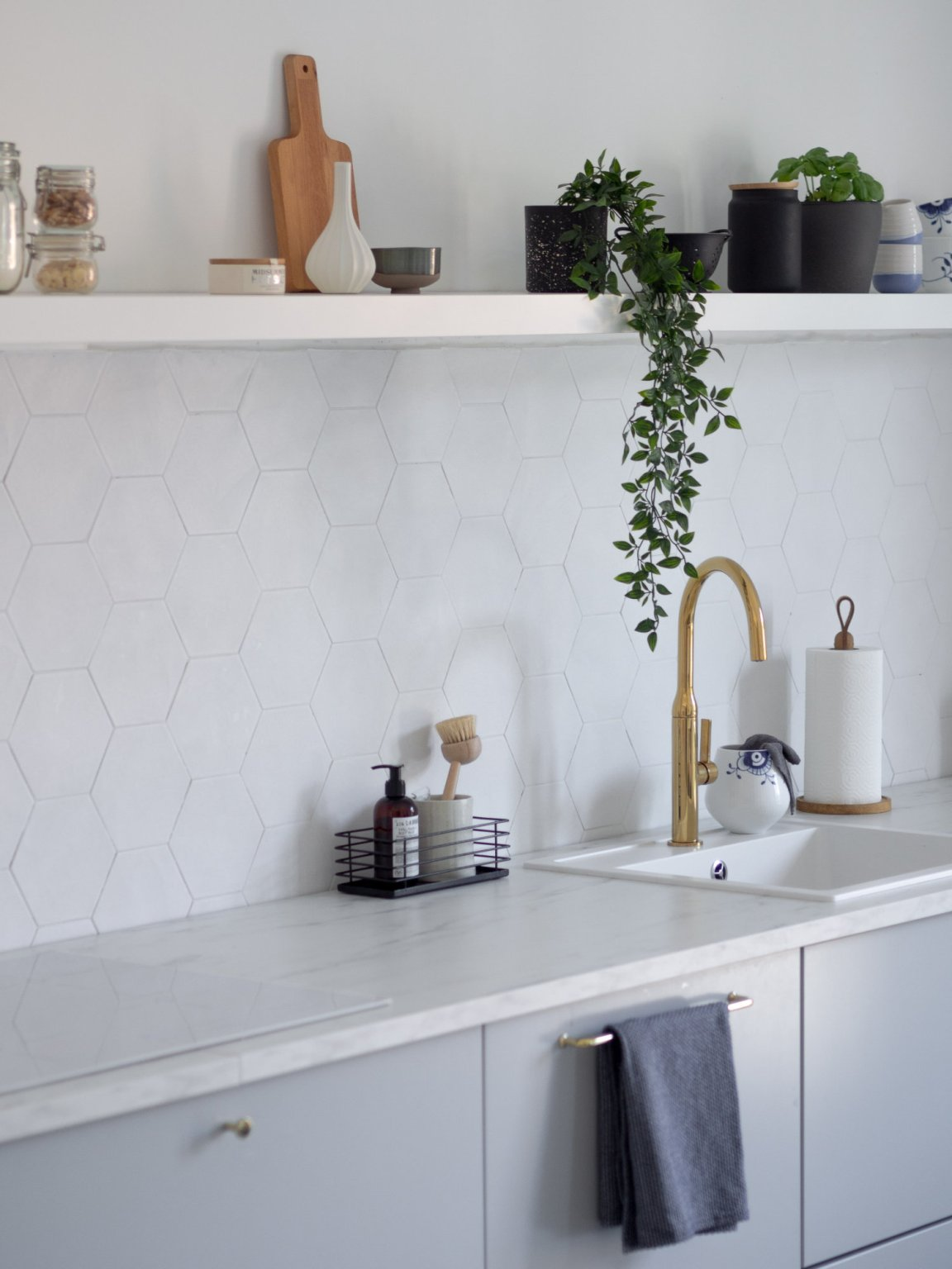 Nordic white kitchen with open shelving
