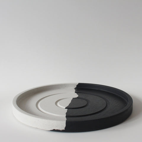 Large Round Tray | Jesmonite | Black and White