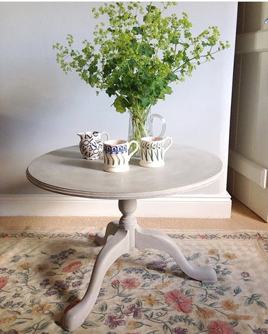 Sweet Painted Oak Occasional Table
