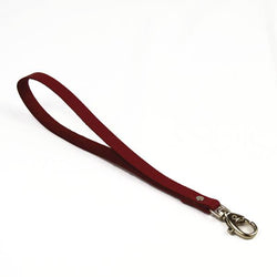 Dragonne en cuir bordeaux grainé - mousqueton personnalisable