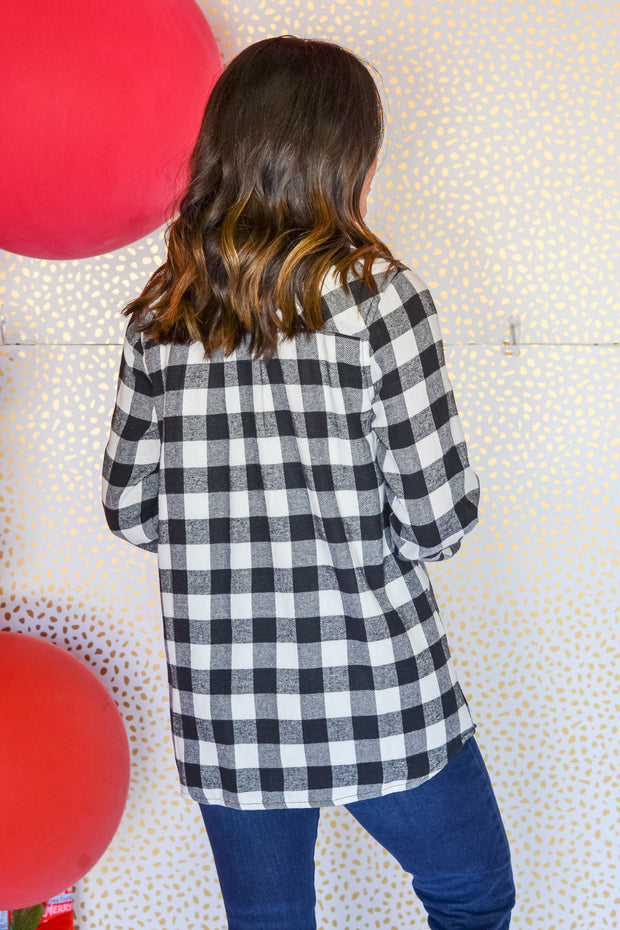Must Have Flannel- Black/ White