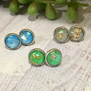 Mini Glass Dome Studs - (8mm Foil and Resin)