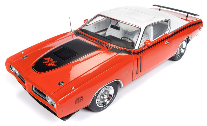 1971 Dodge Charger R/T Hardtop in EV2 Tor Red - 1/18 scale  MCACN  Model Heavyweight Die-Cast Metal