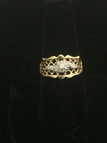 14k Gold Filigree Ring with accent diamonds