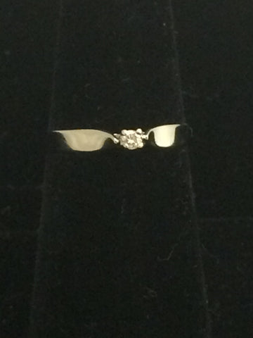 10k White Gold Promise Ring with Diamond Solitaire