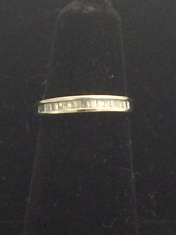 10k White Gold Wedding Band with accent diamonds
