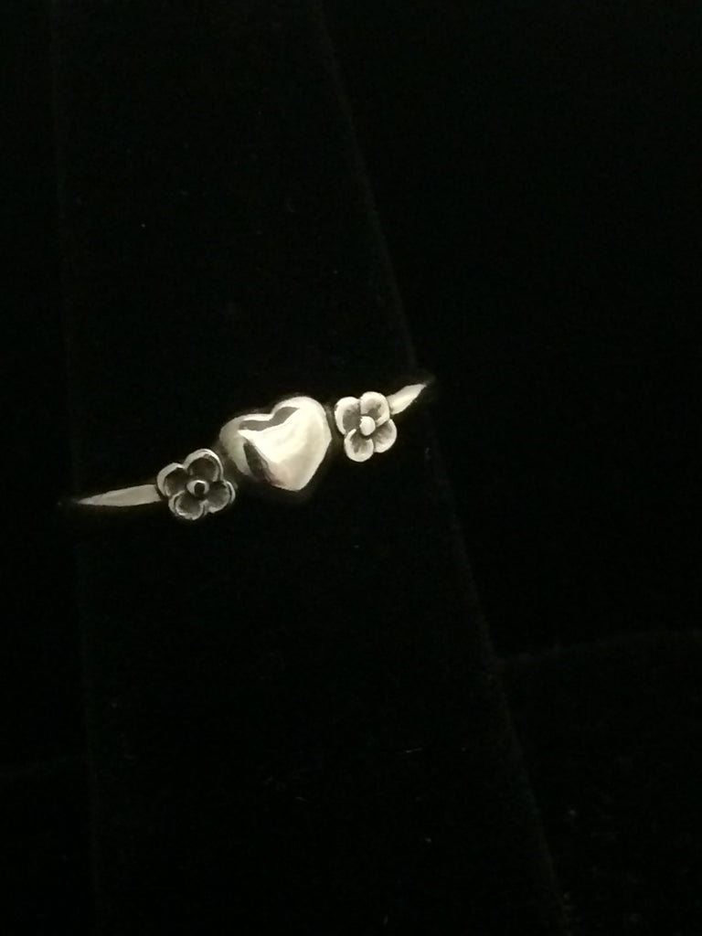 James Avery Sterling Silver Heart With Two Flowers Ring